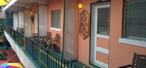 Courtyard view to room doors