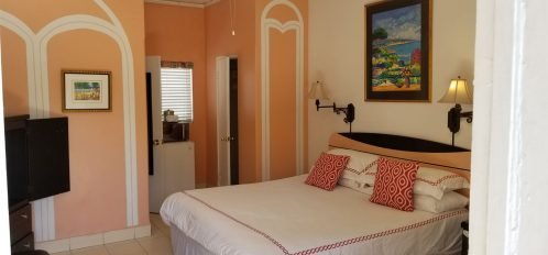 King bed in Jr Suite